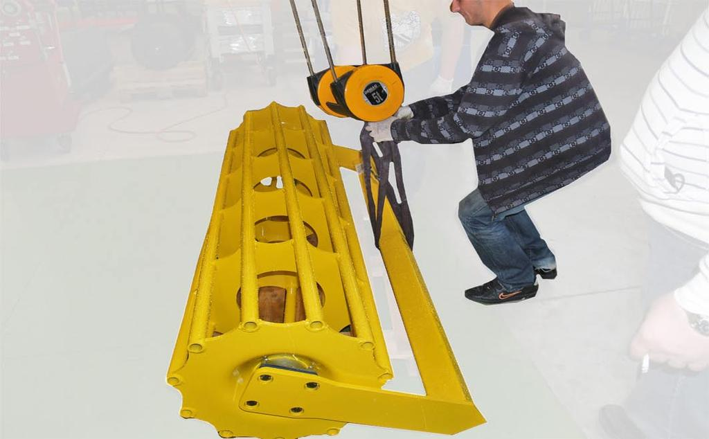 Shim plates Lift packer roller with