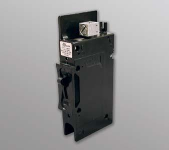 Magnum Panel Accessories Interconnection System Equipment Breaker - DC, back mount Back mount DC breaker for the MMP and MP Series. BR-DC75-BM BR-DC100-BM WORKS WITH MMP Panel... 16 MPSL... 17 MPSH.