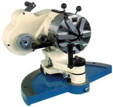 The main spindle has 2 grinding wheels. It can grind the blade and the center of the drills at the same time.