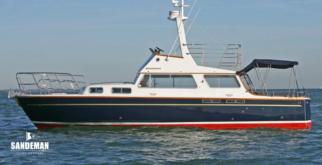 HERITAGE, VINTAGE AND CLASSIC YACHTS +44 (0)1202 330 077 HAGG 36 FLYBRIDGE TSDY 1972 Specification BELLE AMIE HAGG 36 FLYBRIDGE TSDY 1972 Designer Arthur Hagg Length waterline 34 ft 5 in / 10.