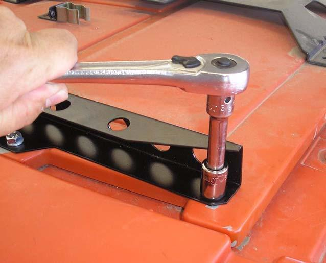 Massey Ferguson MF-8600 and AGCO DT-200B Installation Procedure 5. Tighten the bracket bolts using a 13mm socket wrench.