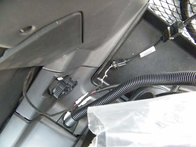 Roof Module Serial Communication Connection 5. Connect the serial connector on your Display harness to the vehicle serial connector inside the cab. See Figure 4-11.