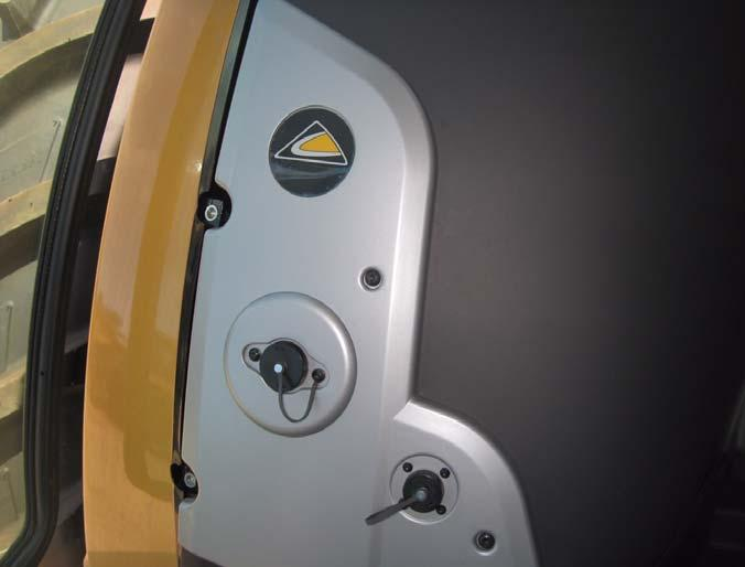 Cab Power Connection Cab Power Connection 1. Locate the cab console right-side 12V power outlet. See Figure 4-12. 2.