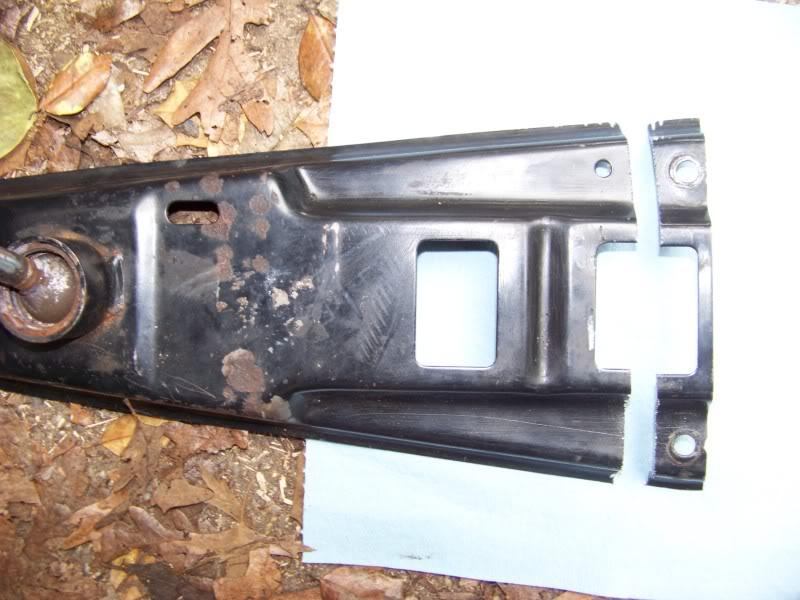 Then he bolted up the stock 2002 shifter carrier mounts and used a air box rubber mount