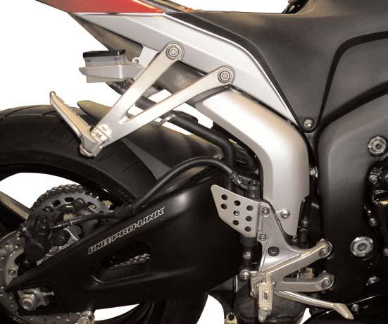 29)Mount the rear brake reservoir to the sub frame.