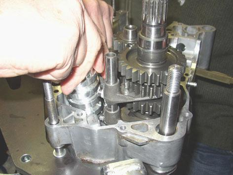 1.4. REASSEMBLING THE GEARBOX Correctly couple gearbox primary and secondary shafts and insert them into