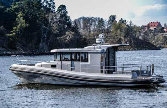 Paragon 31 Cabin for commercial use. The new 31 Cabin is reworked both inside and out to be a full-blooded commercial year-round boat. Material choices are robust and durable.