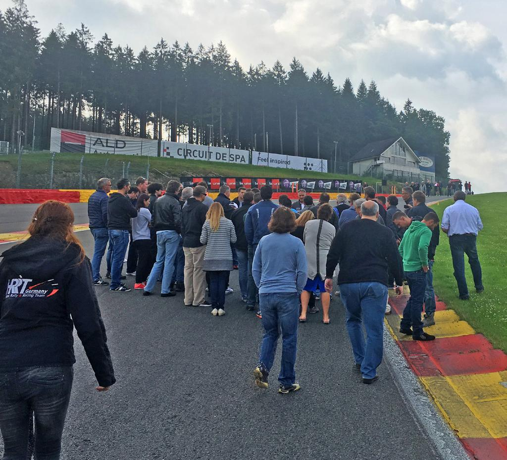 58 We only had time for a few corners and Eau Rouge was first, with about 50 punters ready to listen. There was a lot of advice for this corner or the three it is split into.