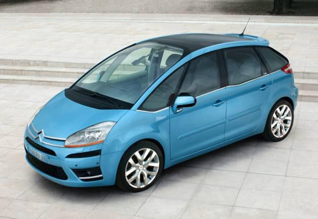 Picasso leader in the compact MPVs segment in Europe Xsara Picasso + C4 Picasso