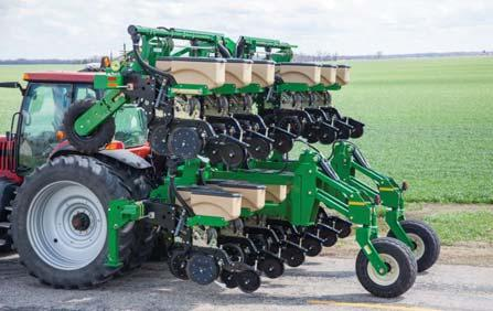 between fills More about the 12 to 16 row Stack-Fold planters The introduction of the 3P4025AH 12,2 m Stack-Fold Box Planter brings a new level of accuracy and