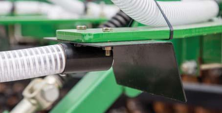 HYDRAULICALLY DRIVEN FAN Provides even seed distribution across the entire machine at all speeds.