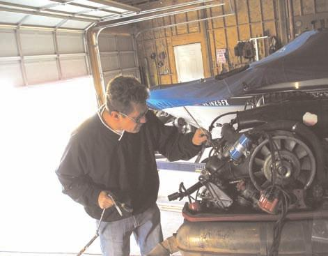 10 10 Anatomy of an Overhaul Or engine rebuilding for the complete idiot By Steve Wright It all started with a key. That little valet key that comes with most Porsches.