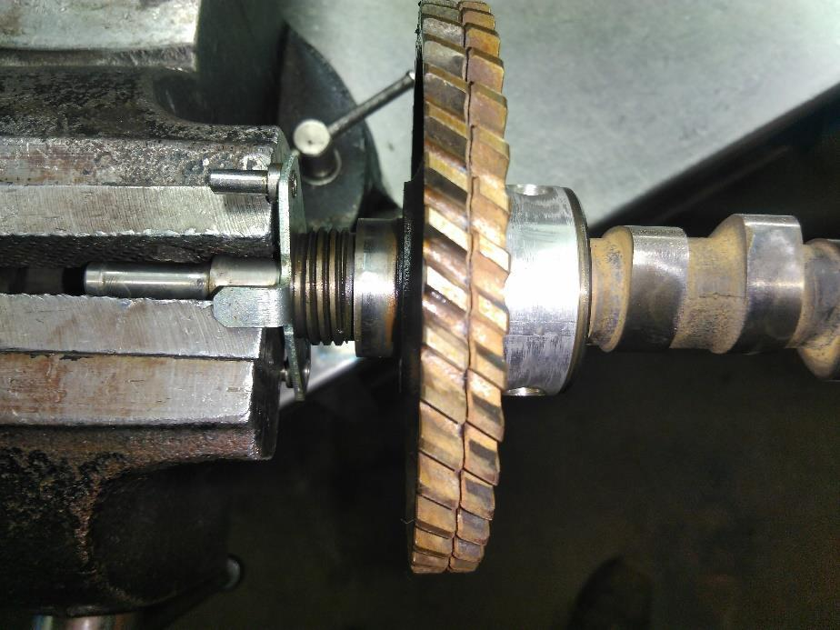 2. Replace the camshaft bearing Required: - Tool 3: Lever - Tool 4: Strap - Tool 5: Degree wheel 250mm - Tool 6: Degree