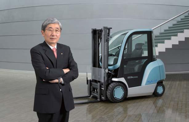 Tetsuro Toyoda President Hybrid Lift Truck new GENEO has earned high acclaim from many customers.