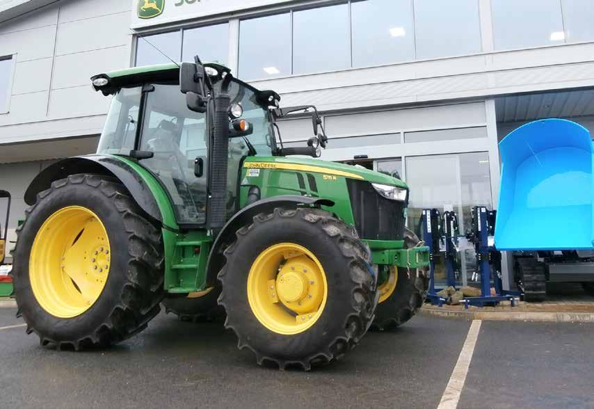 5115R Featuring the Command8 40km/h transmission Command8 - Ensuring that power and torque are always transmitted in the most efficient manner, under any conditions, in all applications 5115R EX-DEMO