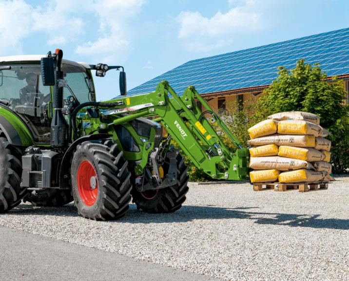 highest quality. A major objective during the development of the Cargo was to form a perfect unit with the tractor.