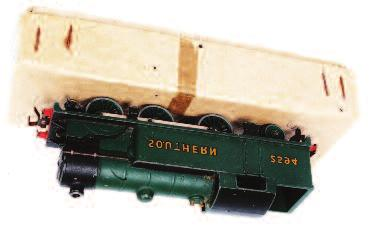 Lot 685 685 A Hornby Dublo 2232 BR green Co-Co diesel locomotive with instructions and test tag and guarantee (NM-BG) 60-70 686 A Hornby Dublo 3260 electric motor coach brake 2nd, green back to coach
