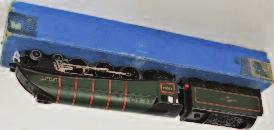 80059, slight wear and loss to lining only (VG,BG) 120-180 916 19 Hornby Dublo (mainly SD6) wagons of various types (G-VG, BG- VG) 60-80 917 A Hornby Dublo 4316 SR green Horsebox, with horse