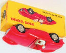green, RN32, white driver, yellow all card picture box (VGNM- BNM) 70-100 Lot 1934 1934 Dinky Toys, 440 petrol tanker Mobilgas, red